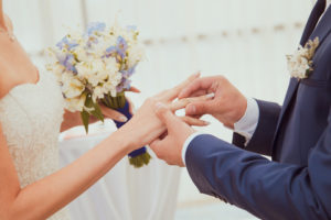Great Ways to Include Your Family in Your Elopement